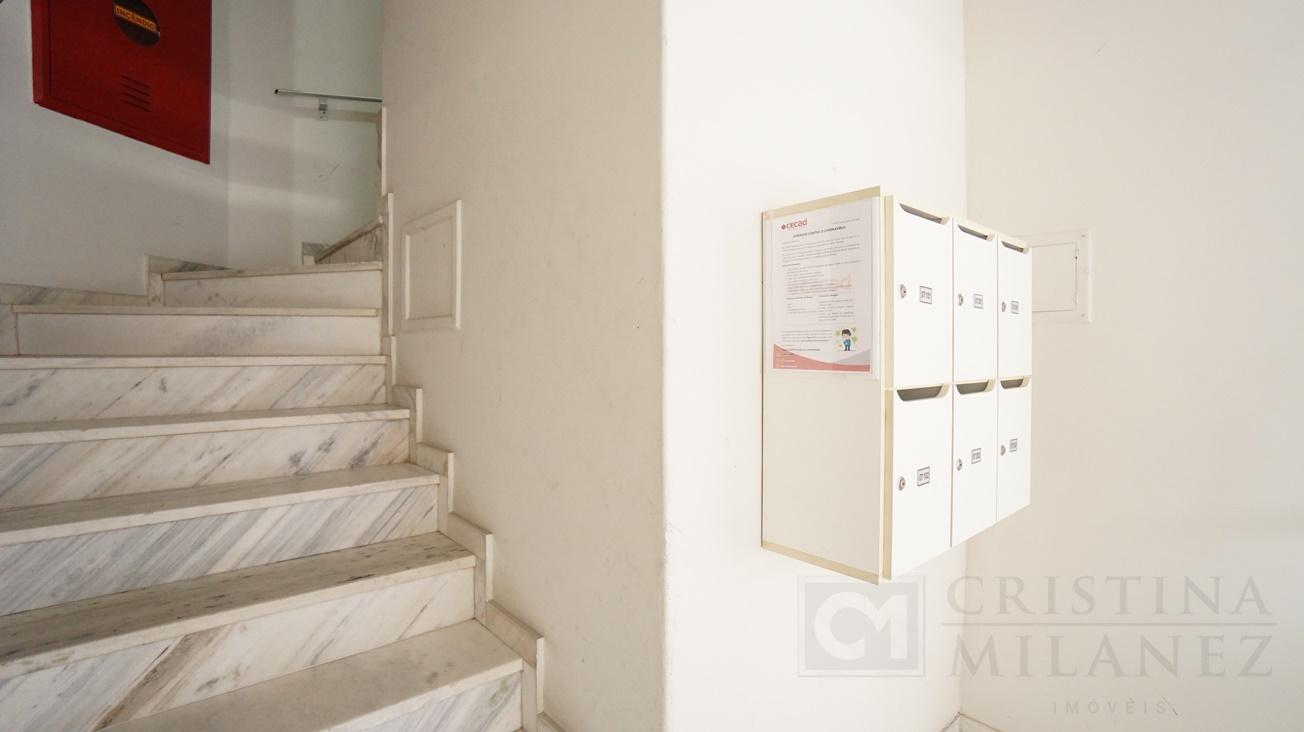 08 Escada